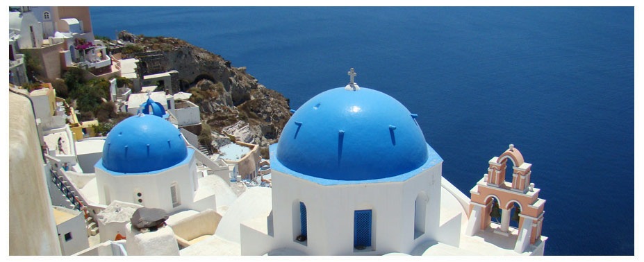Santorini is the ultimate postcard of the Greek islands – whitewashed houses set against a backdrop of blue ski and sea. Santorini offers visitors some truly magical landscapes where you can enjoy some inspiring views and scenery