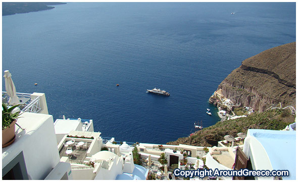 Looking down at the caldera from Fira